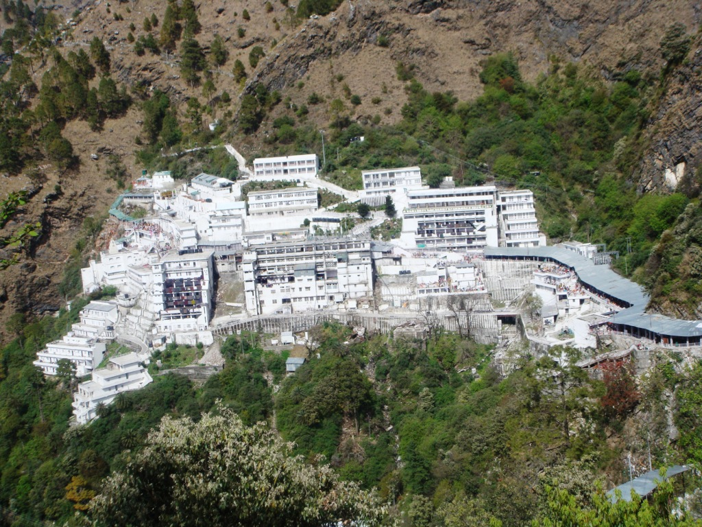 vaishno devi helicopter with Visit To Katra on Vaishno devi yatra tourist guide further Helicopteros additionally Robinson To Install Bladder Fuel Tanks On New R22 Helicopters moreover 20140703 together with Shiv Khori.